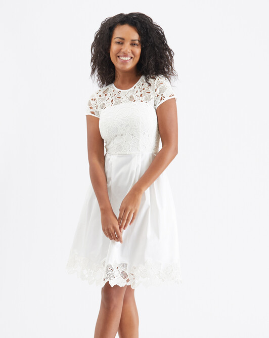Robe en guipure - Blanc