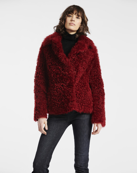 Manteau en peau lainée frisée - Pourpre