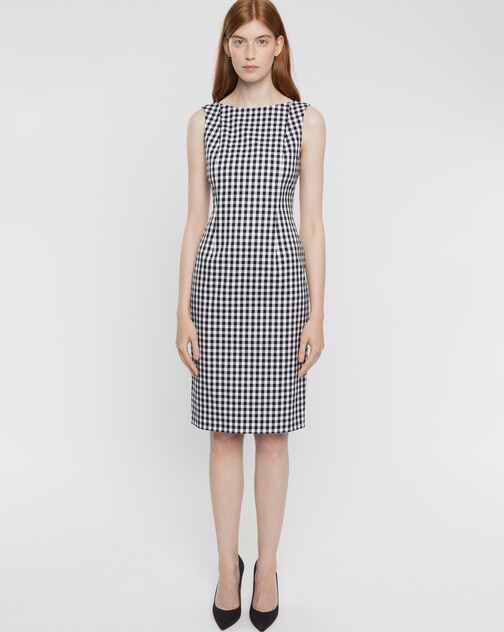 Sleeveless checked stretch gown
