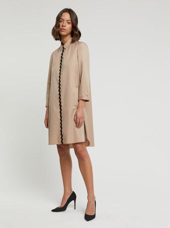 Robe courte en popeline satinée stretch - Beige