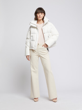 Cropped down jacket with XXL collar - Off white
